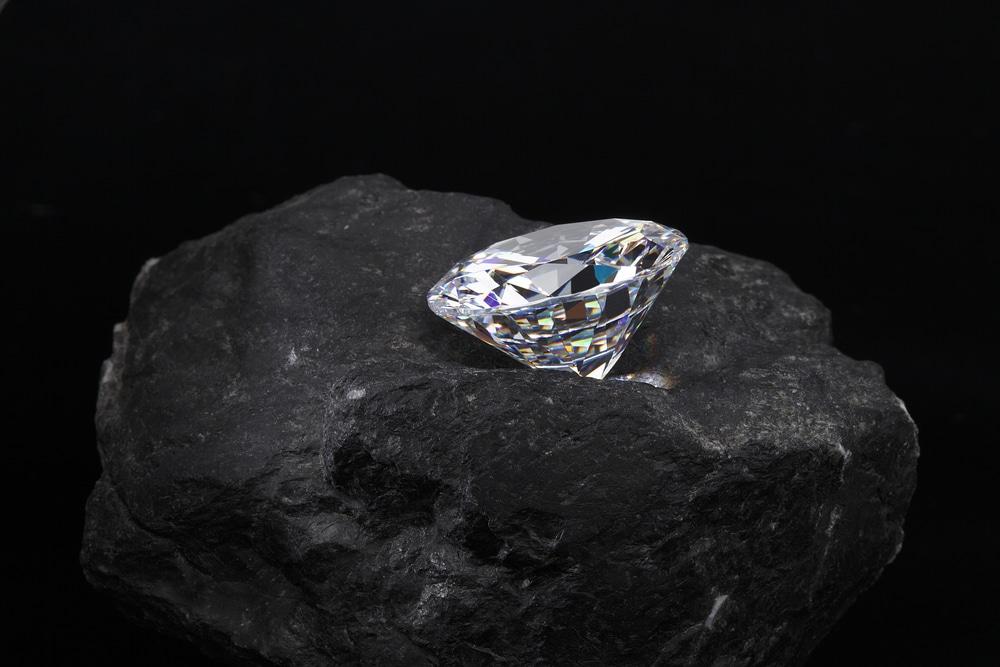 ダイヤモンドは何でできている?
